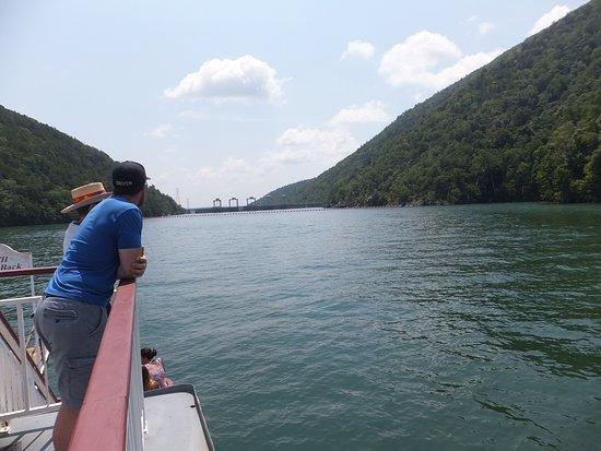 Moneta, VA: Approaching the dam