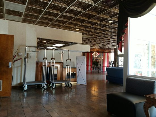 Auburn, AL: Clarion Inn & Suites University Center