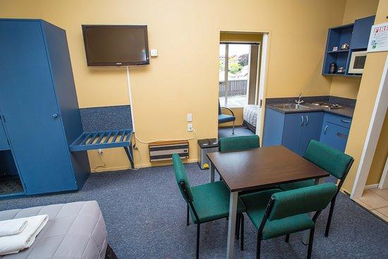 Timaru, Nya Zeeland: Room 8, Showing view of room and extra bedroom