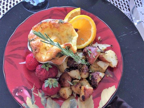 Bybee's Historic Inn: My vegetarian gourmet breakfast.
