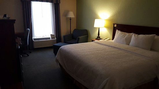 Hampton Inn & Suites Springfield - Southwest: 20160814_190546_large.jpg