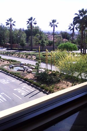 Highland, CA: view from walkway