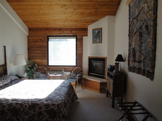 Coffee Mill Motel And Suites Chalet Room