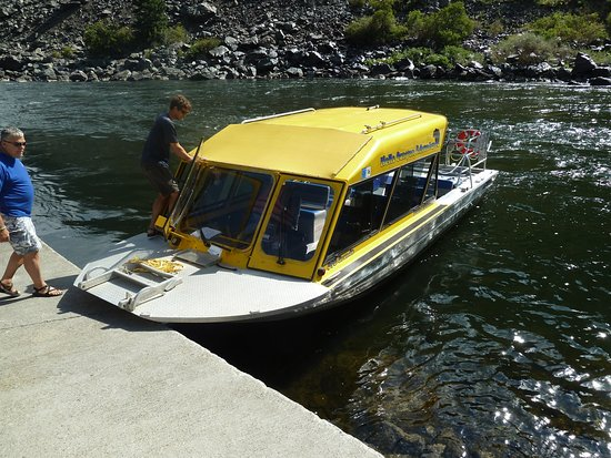 Oxbow, OR: Our Boat for the day!