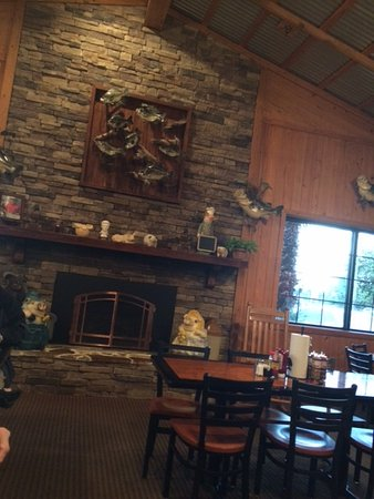 Valdosta, GA: One of the dining rooms in the restaurant
