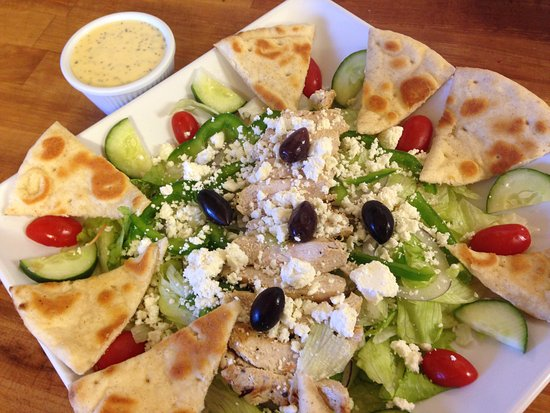 Bennettsville, Νότια Καρολίνα: Mediterranean Salad with Stelio's House Dressing