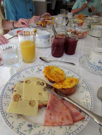 Beside The Winery: delicious, generous breakfast