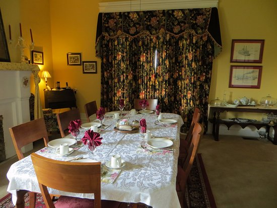 Bloomfield, KY : Breakfast dining room