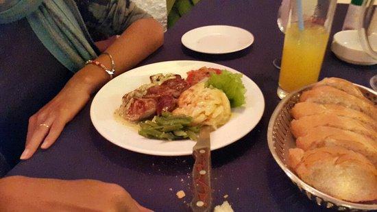 L'Houstalet Restaurant: 20160814_185018_large.jpg