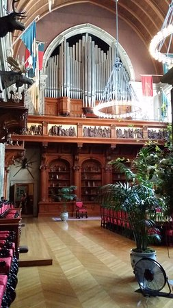 pipe organ in the dining room - picture of biltmore estate