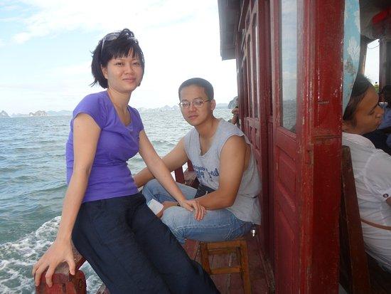 Bai Tu Long Bay: On the way to Quan Lan island