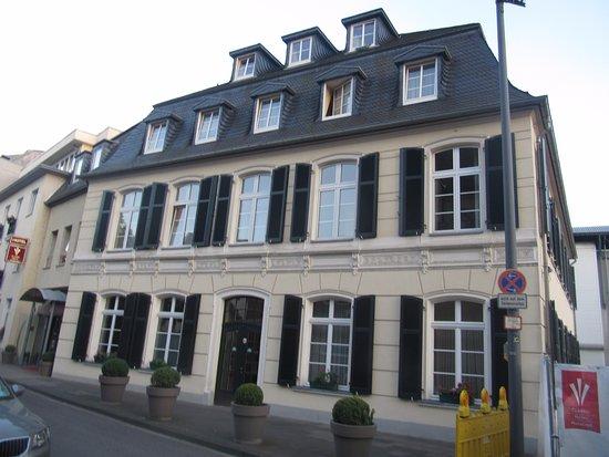 Hotel Classic Harmonie Koln