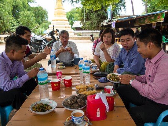 Monywa, Birma: Adventuring with Bobo