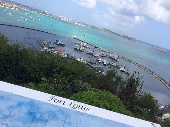 Vista al puerto de Marigot