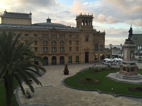 Hotel Maria Cristina, a Luxury Collection Hotel, San Sebastian: The view from my room!