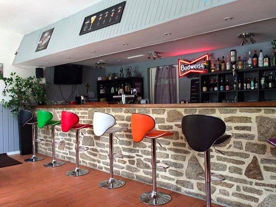 Mohon, Francia: Bar
