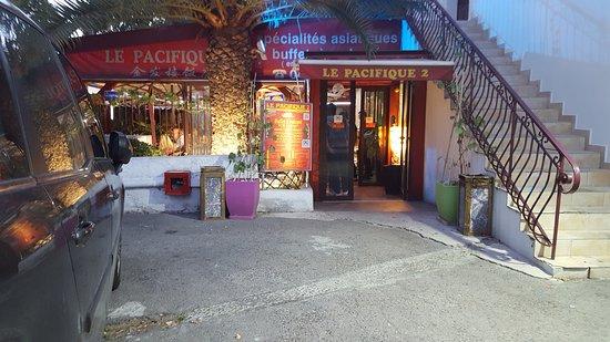 le pacifique 2 la valentine marseille restaurant avis num ro de t l phone photos. Black Bedroom Furniture Sets. Home Design Ideas