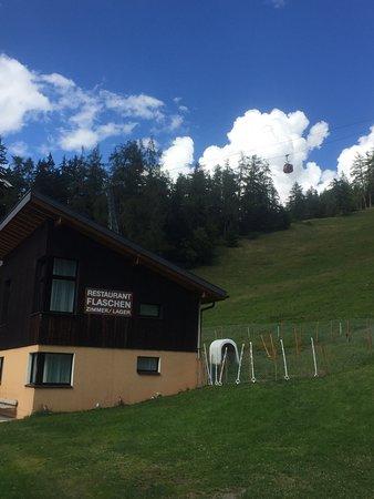 Albinen, Switzerland: Flaschen Hotel Restaurant