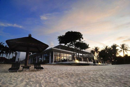 Bintan Lagoon Resort: Nelayan Beach Restaurant