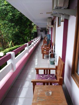 Rose Inn: 20160813_074944_large.jpg