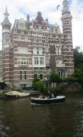 Emperor's Canal (Keizersgracht) : Snapchat-6959940137957344231_large.jpg