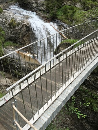 Flims, Svizzera: There are about 12 bridges crossing the river, and the bridges as such are worth the view (desig