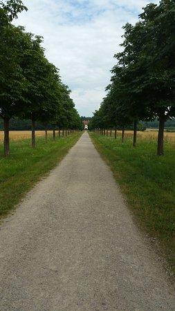Memmelsdorf, Alemania: wunderschöne Wege rund ums Schloss