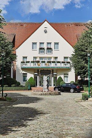 Steigenberger Hotel Treudelberg Hamburg: Steigenberger Hotel Treudelberg Haupteingang