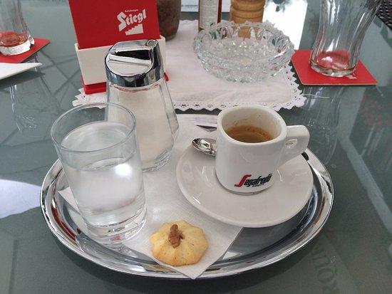 Spittal an der Drau, Österreich: En uiteraard een lekkere Italiaanse espresso