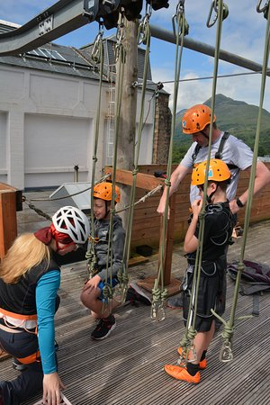 Kinlochleven, UK: Preparing for the Arial assault course