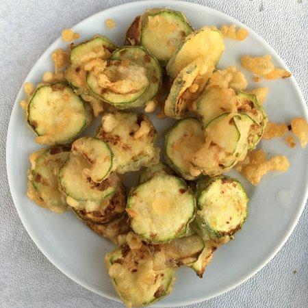 Artemonas, Grèce : courgettes frites