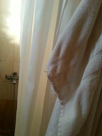 Alianthos Beach Hotel: 20160812_174730_large.jpg