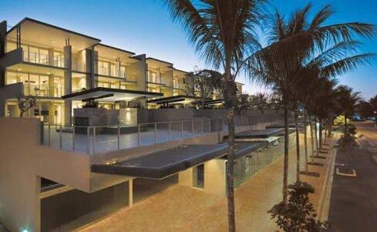 Coconut Grove Apartments: photo0.jpg