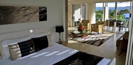 Coconut Grove Apartments: photo1.jpg