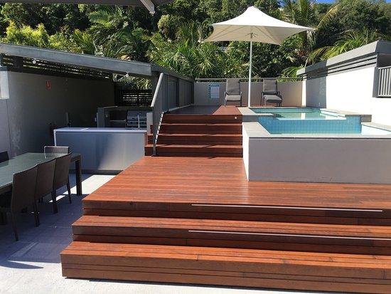 Coconut Grove Apartments: photo4.jpg