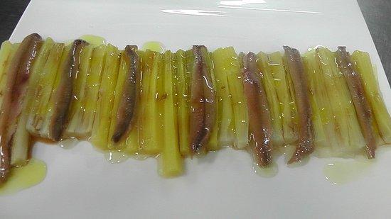 Restaurante Bertiz: Ensalada de puerros y anchoas caseras