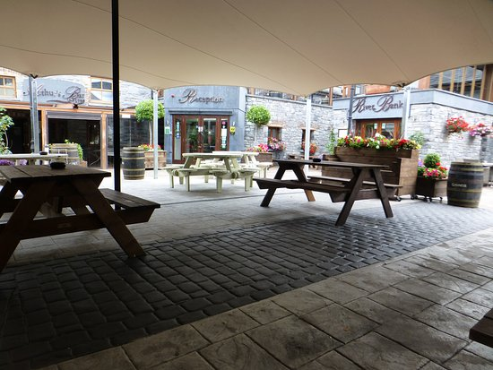 Leixlip, Irlande : courtyard