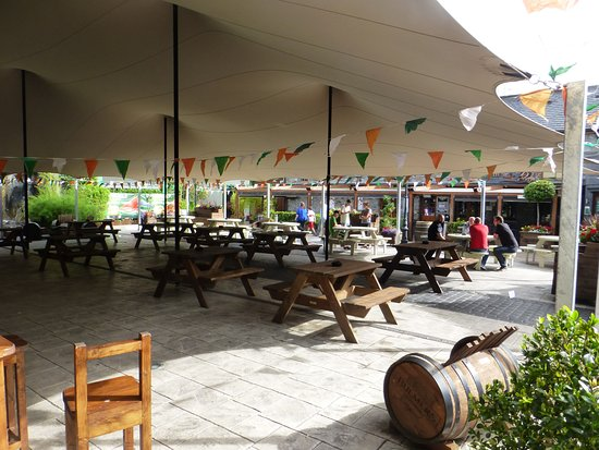 Leixlip, Ireland: courtyard view