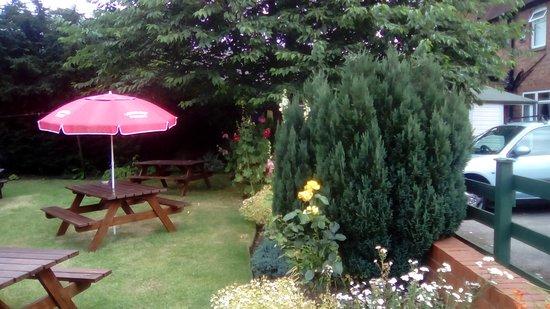 Kilsby, UK: Pub Garden