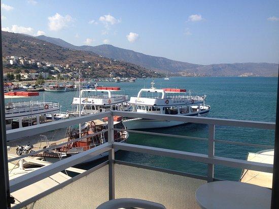 Hotel Aristea Photo
