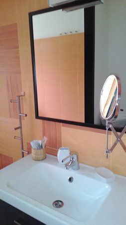 bub primaclasse lavabo in stile ikea