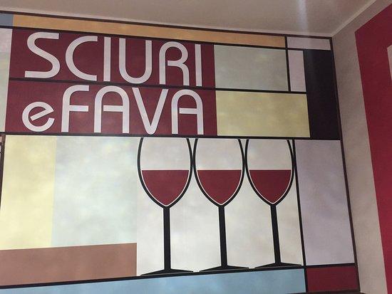 Sciuri e Fava Winebar e Cucina: Sciuri e Fava Wine Bar e Cucina