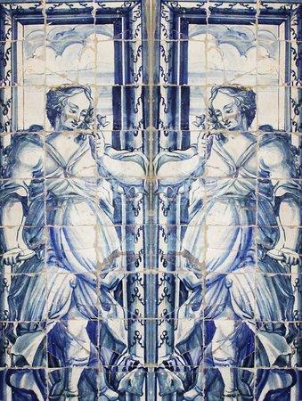 Foz Palace: Azulejos do átrio