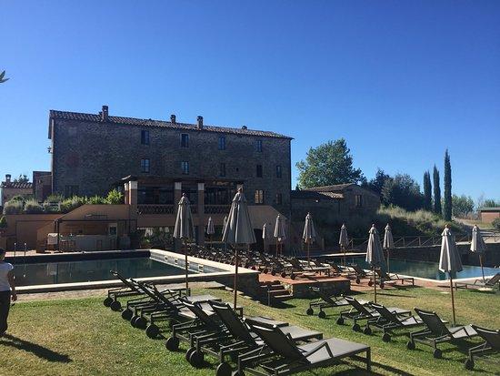 Castel Monastero: photo3.jpg