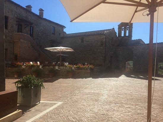 Castel Monastero: photo6.jpg