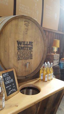 Huonville, Avustralya: At Willie Smith's
