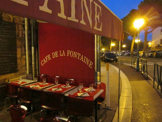 Cafe de la Fontaine: la terrazza.