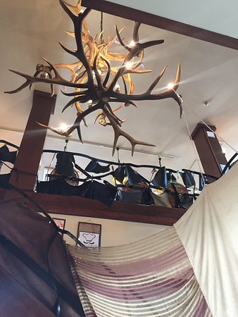 Bell Hamburg  Restaurant: 店内はアンティーク調です