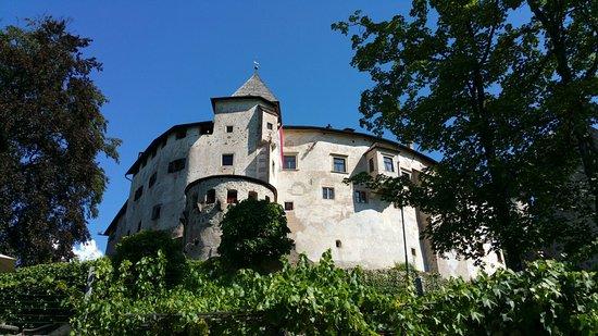 Fie allo Sciliar, Italia: Bel castello con guide gentili