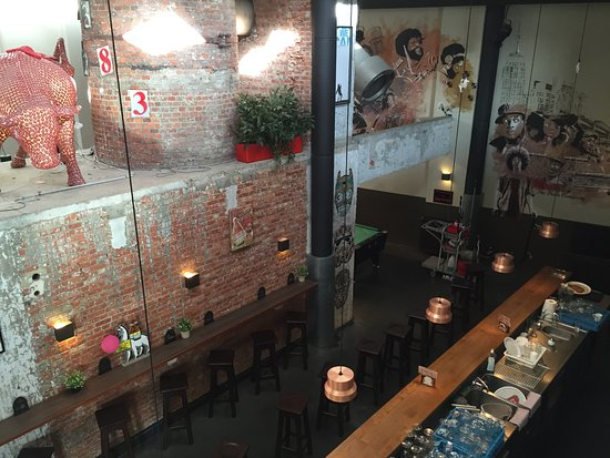 Saint-Jans-Molenbeek, Belgien: Bar au style industriel